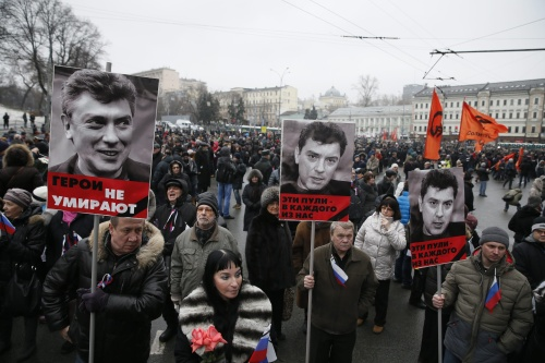 Massale rouwmars na moord in Moskou