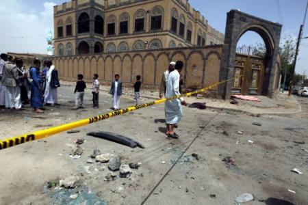 Arabieren nemen Jemen zwaar onder vuur