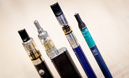 Van Rijn: Onder de 18 jaar geen e-sigaret