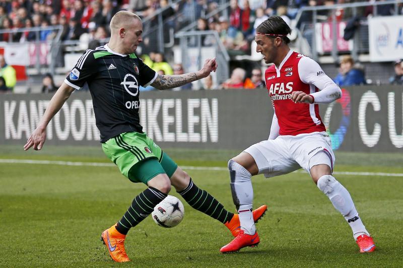 Ajax wil Nemanja Gudelj (rechts) aantrekken (Pro Shots/Ed van de Pol)