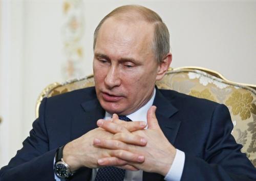 Poetin zit niet met hoge inkomsten ministers