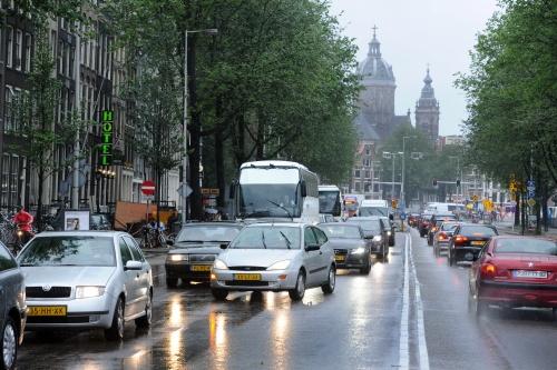 Amsterdam wil acht parkeergarages bouwen