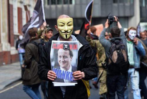 Demo tegen Cameron draait uit op rellen