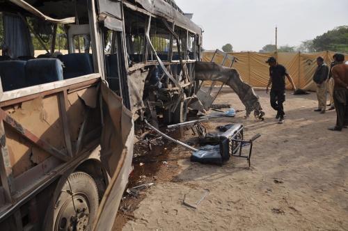 Tientallen doden bij aanval op bus Pakistan