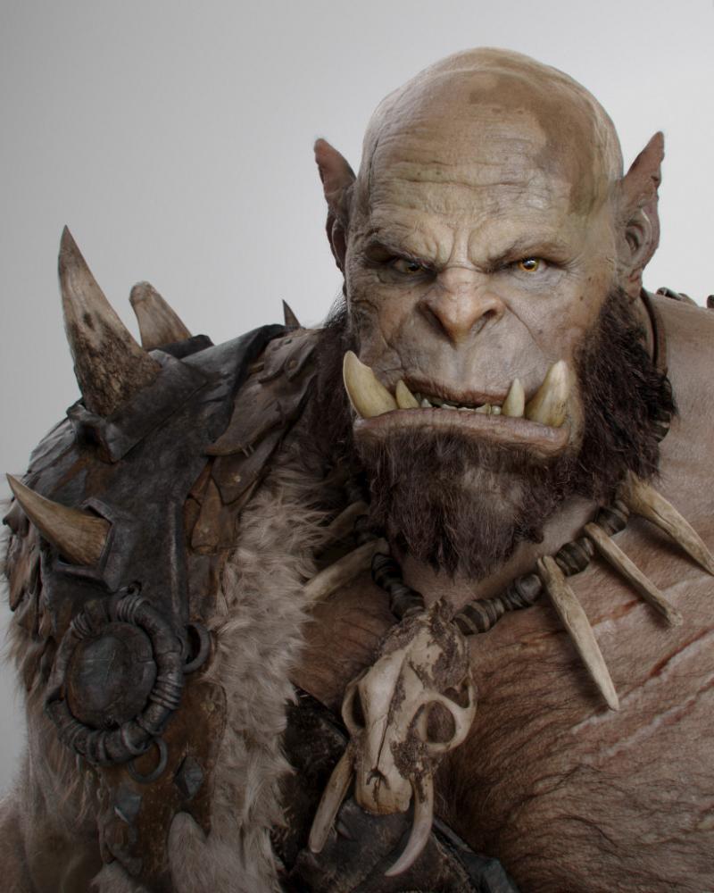 Robert Kazinsky in zijn als Orgrim Doomhammer