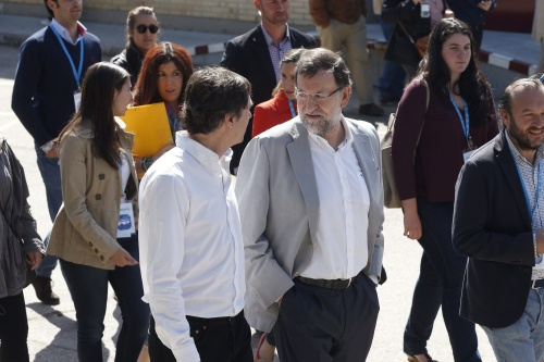 Partij Rajoy wint, maar verliest meerderheid