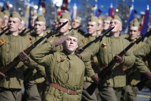 Rusland verzamelt troepen bij grens Oekraïne