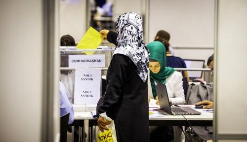 Turken in Nederland naar stembus