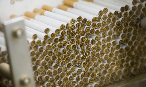 Canadese rokers krijgen geld van fabrikanten