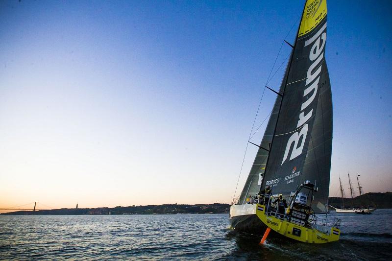 Team Brunel vlak voor de finish in Lissabon (PRO SHOTS/Zuma Sports Wire)