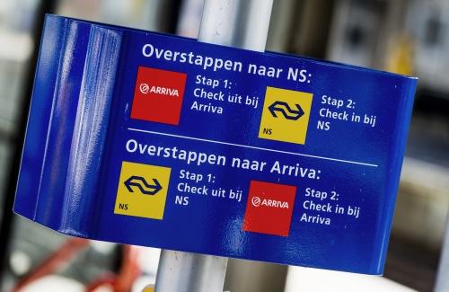 VVD: stations weghalen bij NS