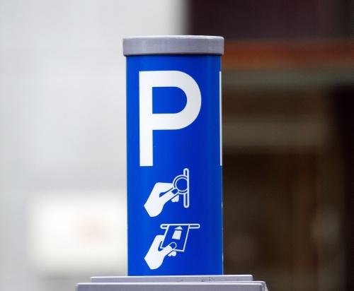 Engelse school vraagt parkeergeld aan ouders