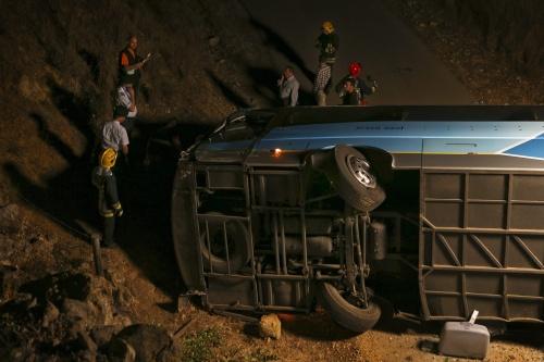 Twee gewonden busongeval met vliegtuig terug