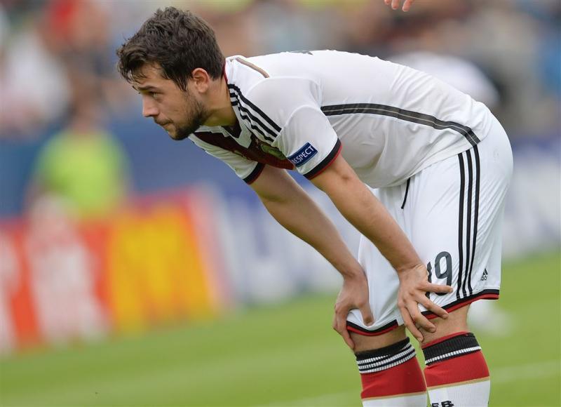 Ajax bevestigt transfer Younes