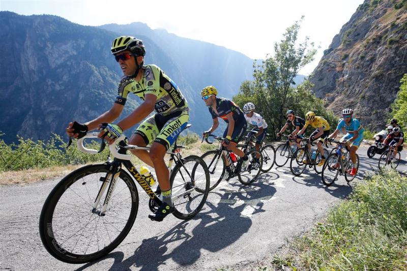 Contador strijdt tegen beter weten in
