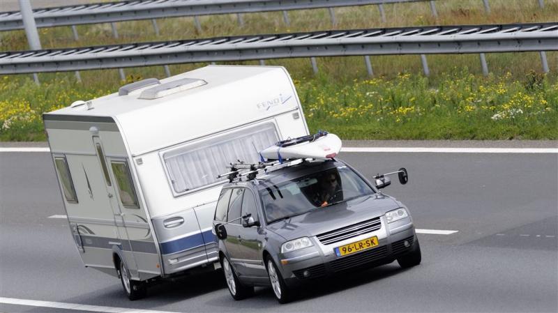 'Zaterdag niet met caravan de weg op'