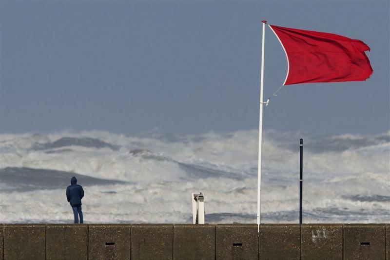 Zeer zware windstoten verwacht aan de kust