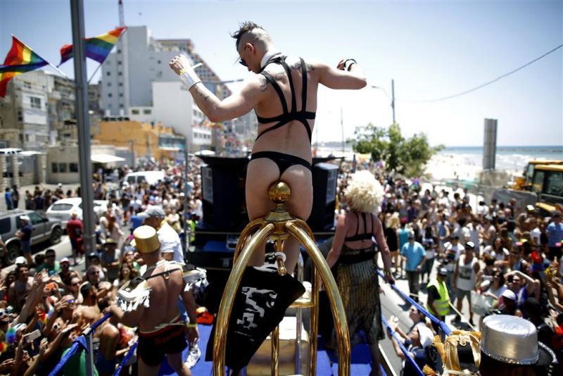 Deelnemers Gay Pride Israël neergestoken