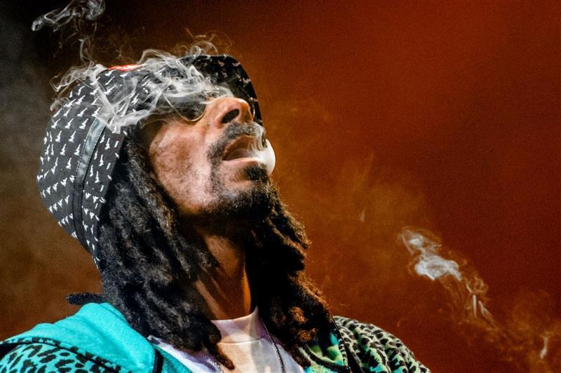 Douane Italië neemt geld Snoop Dogg in beslag