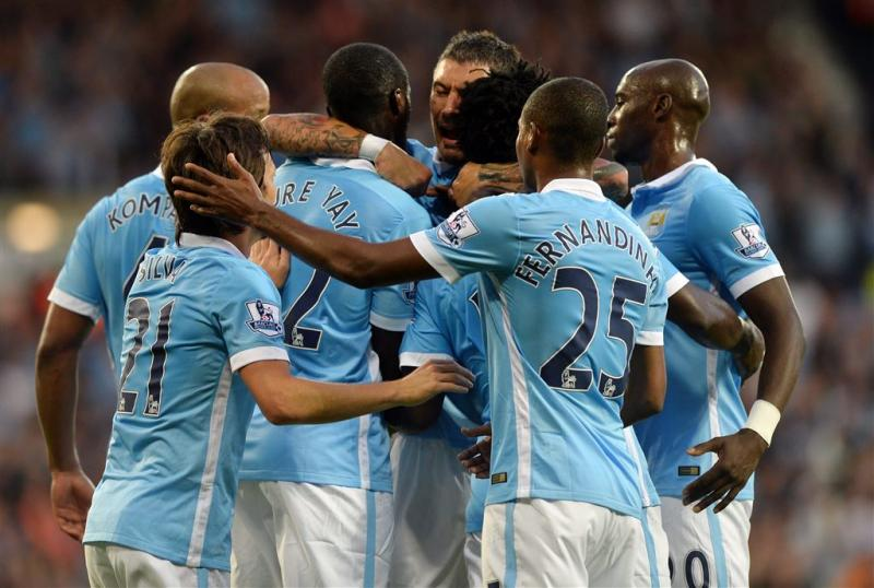 Overtuigende start Manchester City