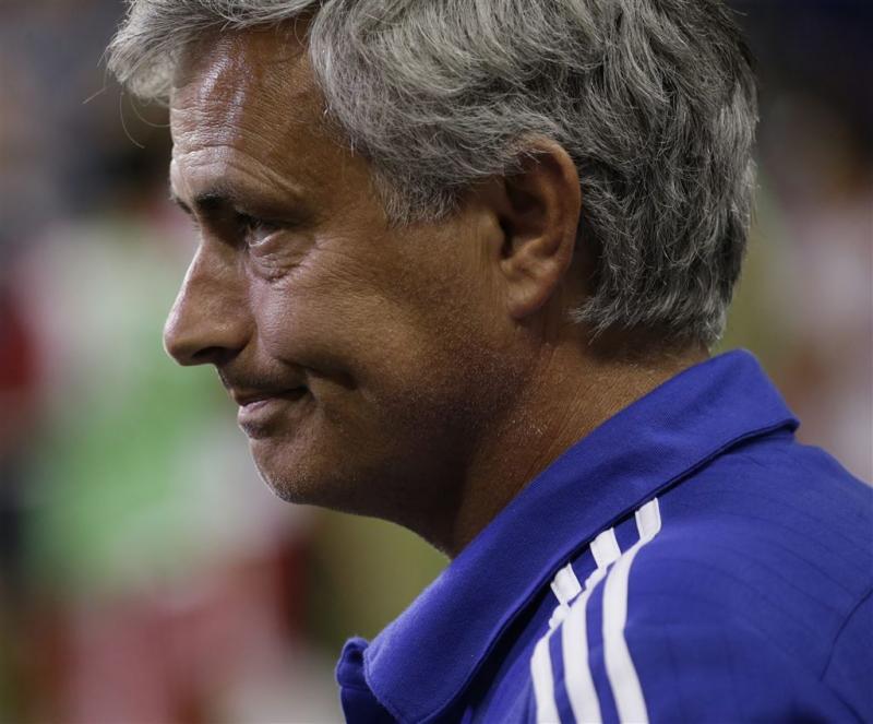 Mourinho overweegt clubarts thuis te laten