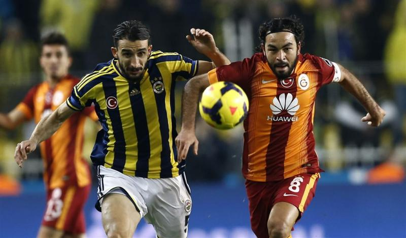 Fenerbahçe-speler Topal beschoten in auto