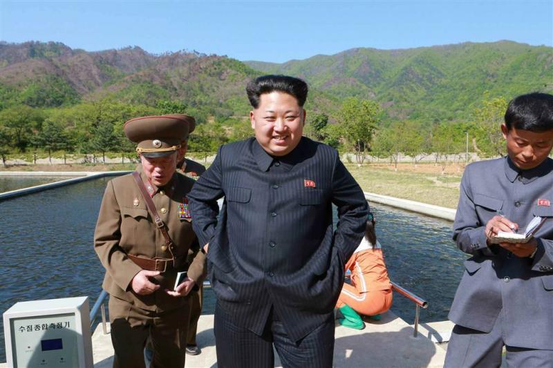 Noord-Korea zet klok half uur terug