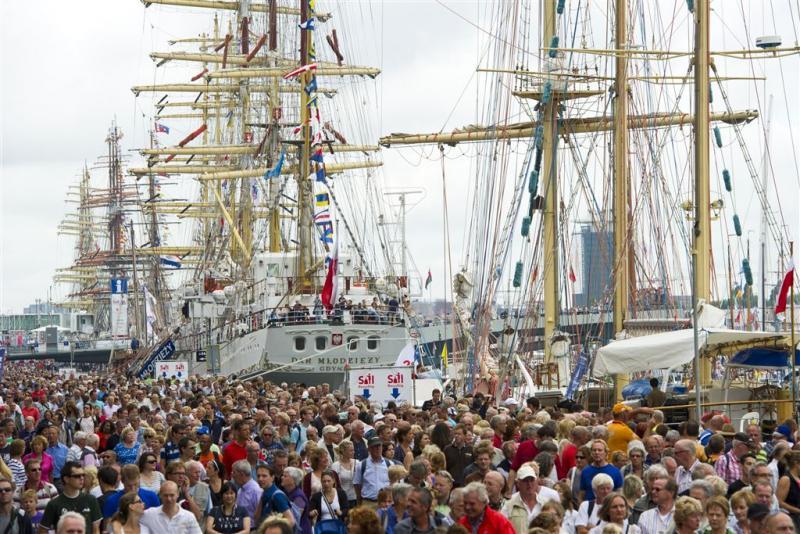Sail barst los in Amsterdam