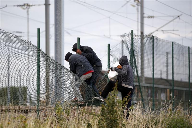 Parijs en Londen samen tegen problemen Calais