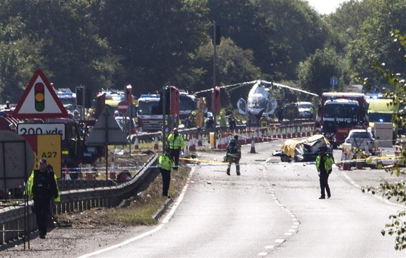 Piloot Britse vliegtuigcrash vecht voor leven