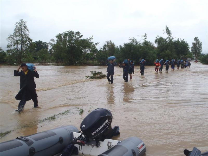 Leger helpt tyfoonslachtoffers Filipijnen