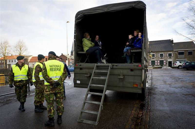 Landmacht snijdt in budget voor reservisten