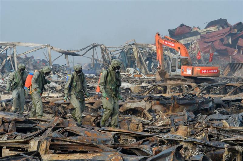 Twaalf mensen vast na explosies Tianjin