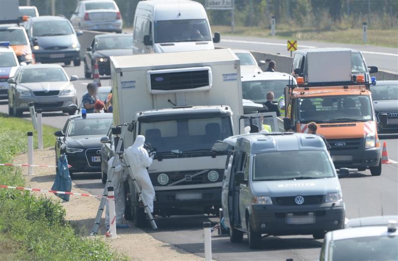 Vluchtelingen al dood Oostenrijk ingebracht