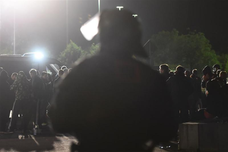Politie omsingelt demonstranten in Heidenau