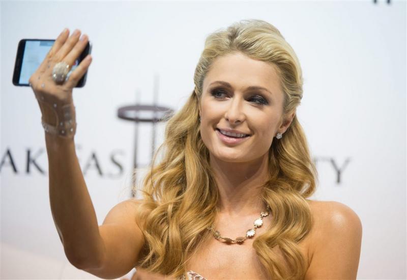 Pool vindt diamanten ring Paris Hilton terug