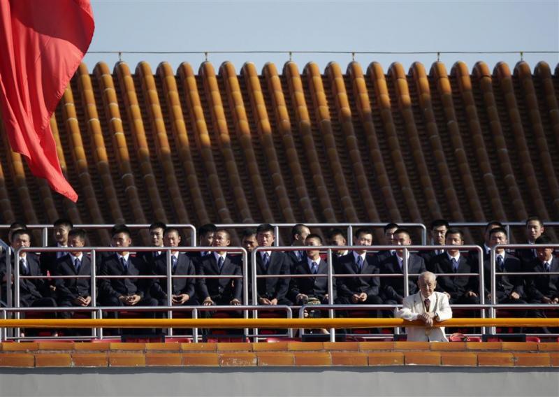 China snijdt in troepenmacht