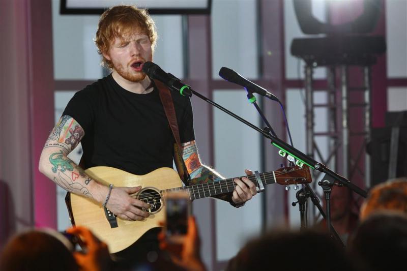 Ed Sheeran op pad met schoolvriendin