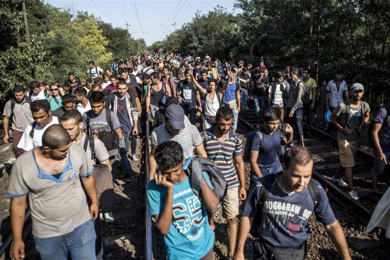 'Hongarije biedt vluchtelingen bussen aan'