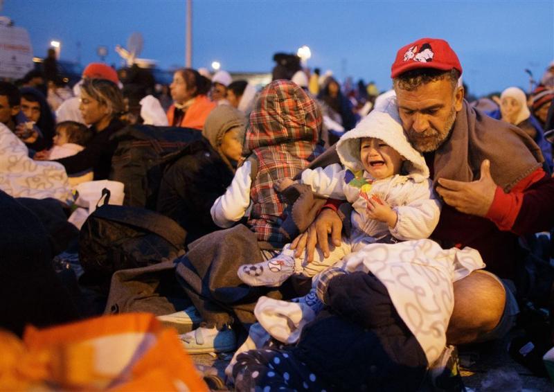 'Veel zieke kinderen aan Oostenrijkse grens'
