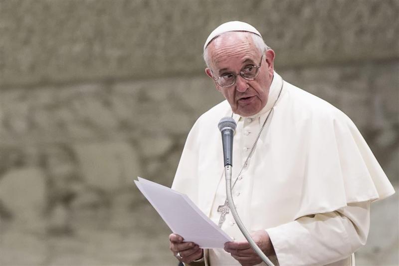 Oproep paus: neem gevlucht gezin op