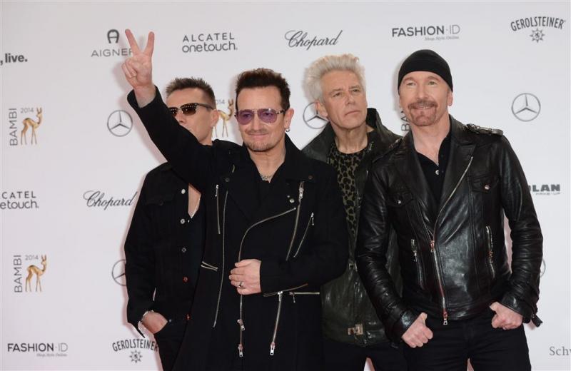 'U2 in rondvaartboot en Amsterdams café'