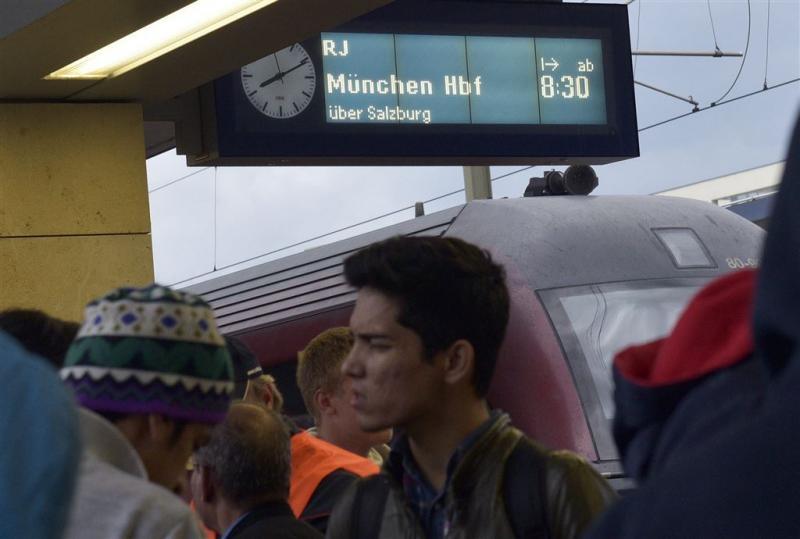 Twintigduizend vluchtelingen naar Duitsland
