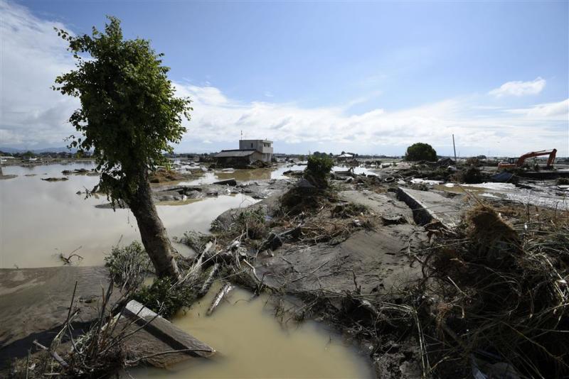 Chaotische toestanden door noodweer Japan
