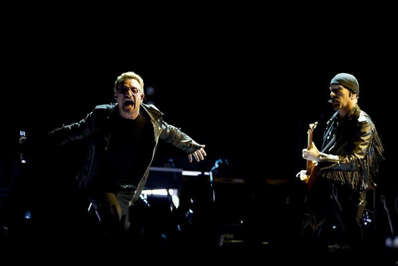 U2 op terrasje in Den Haag