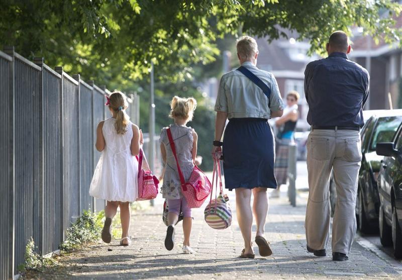 Halen en brengen bij scholen vaak onveilig