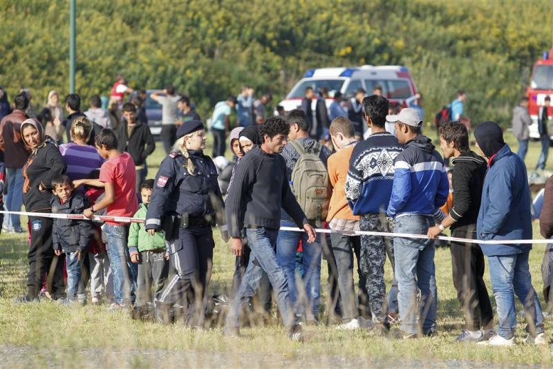 Wenen dreigt migranten die via Balkan komen
