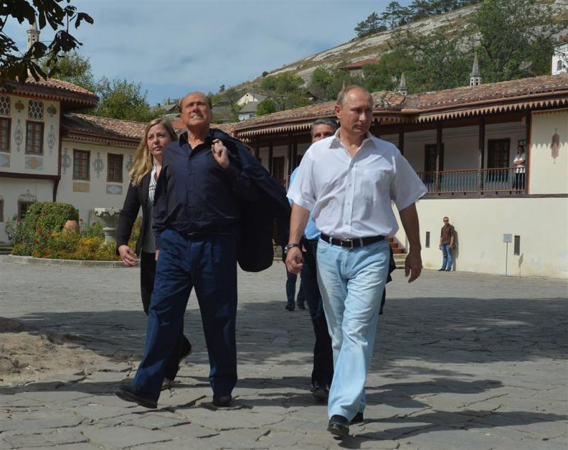 Wijnrel rond Poetin en Berlusconi