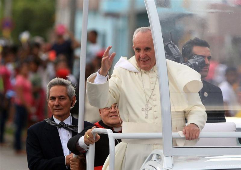 Paus hoopt op betere band tussen Cuba en VS