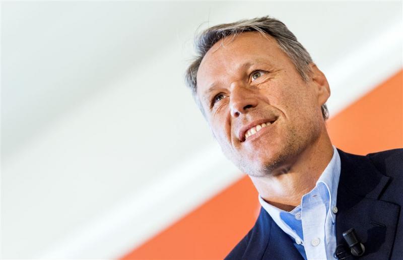 Van Basten fileert 'Cruijff-revolutie'